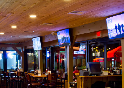 Boomerang Bar & Grill - Outdoor Dining - Patio - Deck - Outside - Microbrews - Burgers - Pizza